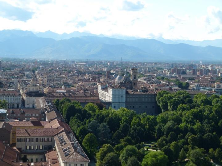 Royal Gardens. Photo from Simone Graziano Panetto, Creative Commons