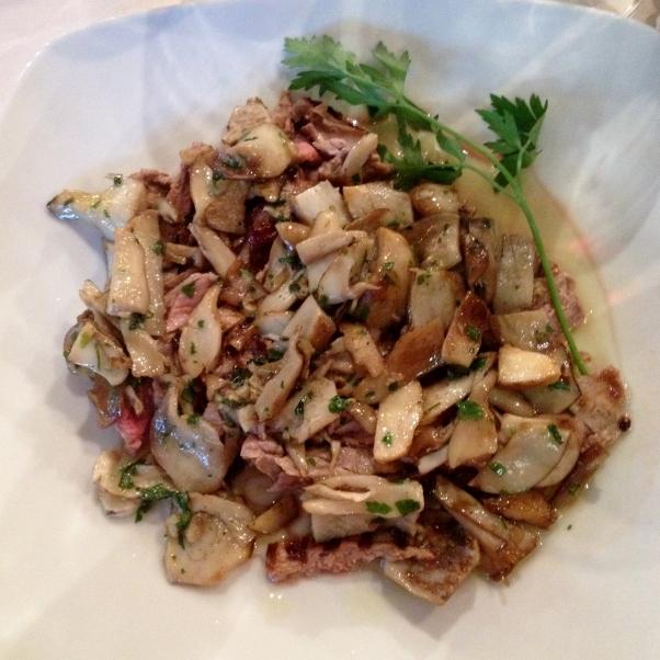 Tagliata di manzo with porcini