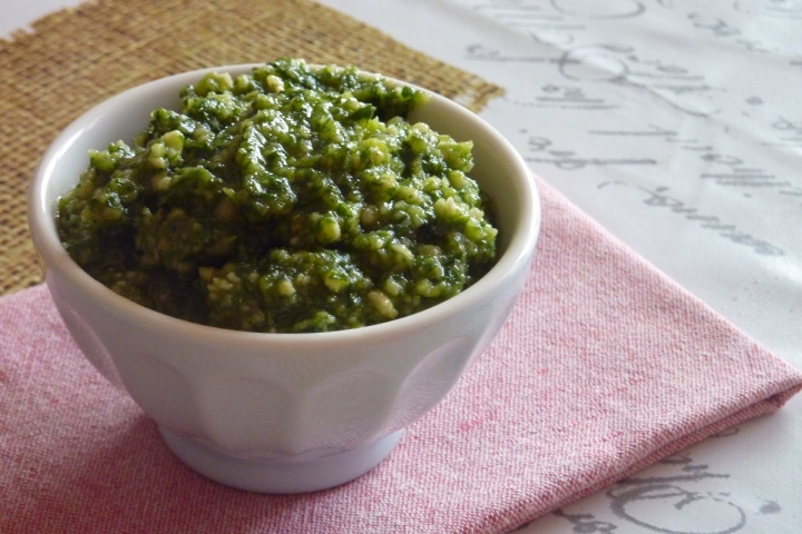 How the pesto should look before adding to the tomatoes