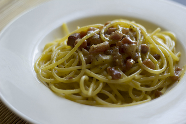 Pasta alla carbonara by Luca Nebuloni, Creative Commons